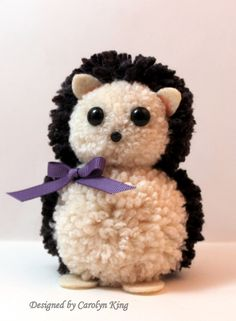 45 Pom Pom Toys Handmade To Copy Today for tweens pom crafts crafts crafts Pom Pon, Pom Pom Rug, Pom Pom Crafts, Yarn Crafts, Yarn Projects, Diy Craft Projects, Crafts For Teens To Make, Diy And Crafts, Pom Pom Animals