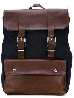 рюкзак с ремешками на пряжках