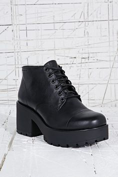 f2b4c03c4dadb Vagabond Dioon Leather Lace-Up Boots in Black Vagabond Shoes, Grunge Boots,  Urban