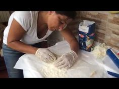 Tutorial Come fare gli stampi con silicone e farina - YouTube