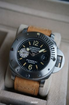 PuristSPro - I ve always found a diving watch w/ rotatable bezel to be the perfect watch that represents Panerai, a brand with such a strong association w/ military div