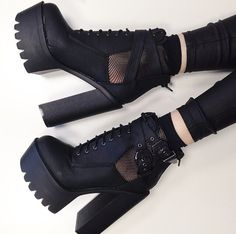 shoes boots grunge 5 seconds of summer black black heels grunge shoes Platform High Heels, High Heel Boots, Heeled Boots, Shoe Boots, Shoes Heels, Pumps, Shoe Bag, Heels Outfits, Goth Platform Shoes