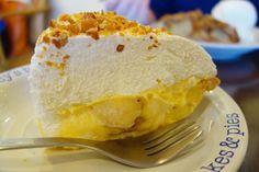 そしてバナナクリームパイフワッフワのクリームにトロっと熟したバナナ最高 #meallog #food #foodporn #tw