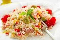 L'Insalata di Riso, chiamata spesso anche Riso Freddo, è primo piatto perfetto per tutte le stagioni: d'estate come pranzo e d'inverno per l'aperitivo!