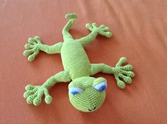 Crochet lizard
