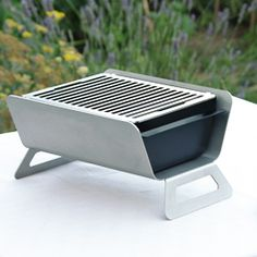 Barbecue Design, Grill Design, Bbq Charcoal, Camping Must Haves, Stainless Steel Grill, Metal Projects, Barbacoa, Sheet Metal, Metal Furniture