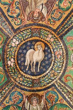 Christian Art ~ Lamb of God, Ravena, Italy, Late Roman art. Ancient Art, Ancient History, Art History, Early Christian, Christian Art, Ravenna Italy, Byzantine Art, Byzantine Mosaics, Biblical Art