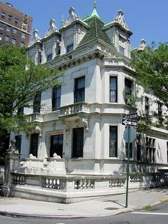 √- Schninasi Mansion- The actual address is 351 Riverside Drive but this is closer to the location.  Also known as June's house from White Collar.