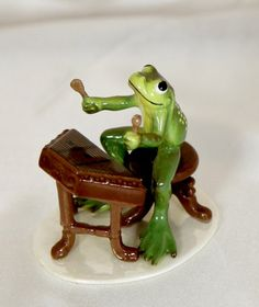 Frog Playing Guitar in a Bluegrass Band Collectible Figurine by Hagen-Renaker