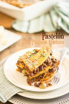 Pastelón de Plátano Maduro, or Sweet Plantain Lasagna, is a surprising combination of sweet and salty ingredients that unite into a highly addictive dish Whole 30, Pastelon Recipe, Plantain Recipes, Cooking Recipes, Healthy Recipes, Paleo Meals, Beef Recipes, Healthy Food, Finger Foods