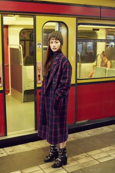 luckychouette x jungyumi Fashion Collage, Korea Fashion, Modest Fashion, Winter Fashion, Cute Outfits, Normcore, Street Style, Style Inspiration, Stylish