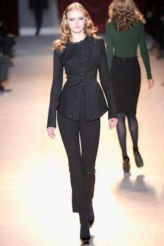 Zac Posen Fall 2011 Ready-to-Wear Fashion Show - Frida Gustavsson (IMG)