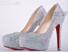 Pair these with a coral knee length pencil skirt. A gaudy pearl necklace and patent leather white clutch.