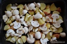 Cartofi noi la cuptor cu ciuperci si usturoi | Savori Urbane Romanian Food, Vegetable Recipes, Stuffed Mushrooms, Cooking Recipes, Vegetables, Dr Post, Awesome, Recipes, Salads