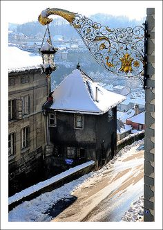 Fribourg under the snow in Switzerland Berne, Swiss Switzerland, Monuments, Winter Scenes, Places To See, Beautiful Places, Istanbul, The Good Place, Germany