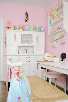 I LOVE these colors for a little girl's room.