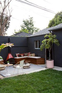 【DIYで作れちゃう】造作ベンチと屋外暖炉のあるお庭 | 住宅デザイン