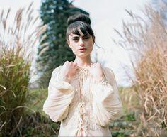 Vintage bridal style - Gossamer, Amore Events and Ron Dressel Photography22 - Wedding Sparrow   Best Wedding Blog   Wedding Ideas