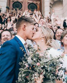 bride and groom wedding photo ideas Wedding Goals, Budget Wedding, Wedding Pictures, Wedding Planner, Wedding Photography Inspiration, Wedding Inspiration, Wedding Ideas, Wedding Photographie, Perfect Wedding