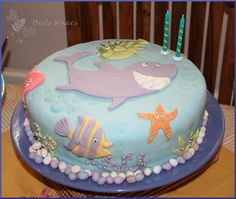 Smiley Shark - kids birthday cake