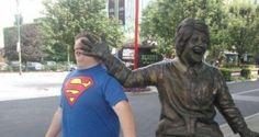 35 personas que avergonzaron a estatuas de la peor manera posible - http://dominiomundial.com/35-personas-que-avergonzaron-estatuas-de-la-peor-manera-posible/