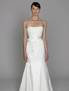 Bliss by Monique Lhuillier - Strapless Mermaid Gown in Lace