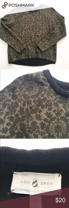 Lou & Grey jacquard sweatshirt Super soft and comfy jacquard print sweatshirt from Lou & Gray, size XS. Excellent condition. Lou & Grey Tops Sweatshirts & Hoodies