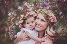 Mommy and me photo session. Mother and baby. Flower crown #portraitsbyandra #flowercrown #baby #mommyandme