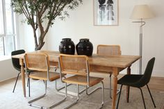 ©Selency Dining room, Breuer chair, Guariche chair, vintage home, green home, wood
