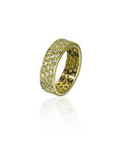 Solider #Eternityring #Bandring besetzt mit 84 Diamanten mit insgesamt 1,1ct in Paveefassungen. Die Ringschiene ist aus 18 kt Gelbgold, innen poliert Ein Ringschmuck mit dem Sie sicherlich Freude haben werden.  http://schmuck-boerse.com/ring/93/detail.htm/detail.htm http://schmuck-boerse.com/index-gold-ringe-4.htm