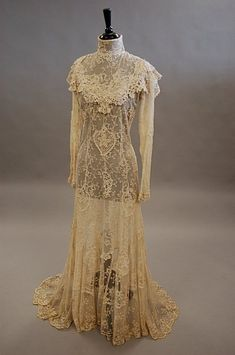 A lace tea gown circa 1900, of cream chemical lace
