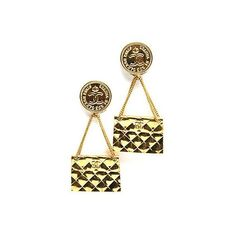 Chanel Pre-Owned: Drop Quilted CC Purse Vintage Clip On Earrings ($950) ❤ liked on Polyvore featuring jewelry, earrings, gold, vintage earrings, vintage gold stud earrings, clip-on earrings, clip earrings and chanel jewelry