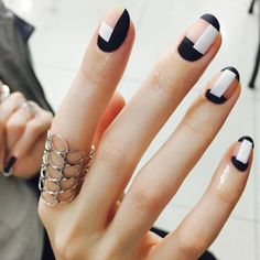 geometric nails @nail_unistella | #nailart #minimal negative-space #monochrome black-white