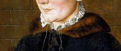 En Angleterre vers 1557. Collerette vers 1557.  La collerette désigne la pièce de tissu froncée ou plissée, placée au bord de l'encolure et entourant le cou. Elle apparaît dans le courant des années 1530 et 1540, avec la mode du col montant.  Elle naît du développement du ruché du col de la chemise, c'est-à-dire de ses bords froncés.  Le présent article s'attachera à présenter les collerettes qui s'ouvrent sur la gorge ou la poitrine.