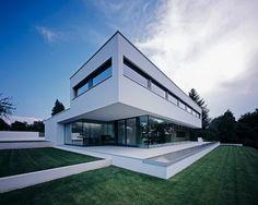 Contemporary Home Exterior Contemporary Minimal Home in Waldenburg, Germany Modern Exterior, Exterior Design, Interior Modern, Residential Architecture, Architecture Design, Modern Villa Design, Minimal Home, Facade House, House Design