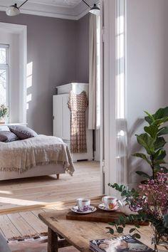 Sarah og Christian var ved at købe sig fattige i farveprøver Living Room Inspiration, Interior Inspiration, Pastel Interior, Interior Decorating, Interior Design, Dream Bedroom, Ikea, Interior Architecture, Nest