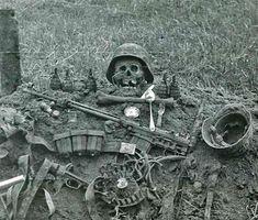 Vloktburz German Soldiers Ww2, German Army, Ww2 Photos, Ww2 Pictures, Military History, Military Guns, Ww1 Art, Underwater Pictures, World War One