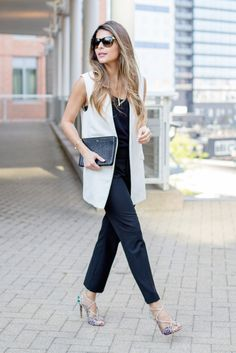 Try These 25 Chic Sleeveless Blazer Outfits In Every Season Sleeveless Blazer Outfit, White Vest Outfit, Blazer Outfits, Cream Blazer Outfit, Long Vest Outfit, Chic Office Outfit, Summer Office Outfits, Fall Outfits For Work, Office Wear