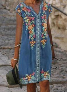 Vestidos Casual Hasta las rodillas Manga corta Floral - Floryday V Neck Midi Dress, Blue Midi Dress, Blue Dresses, Summer Dresses, Midi Dresses Online, Dresses For Sale, Resort Dresses, Winter Fashion Casual, Floral Tunic