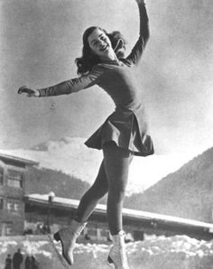 Barbara Ann Scott, a true figure skating icon! Skate Canada, Canada Eh, Barbara Ann, St Moritz, Ice Skating Dresses, Ice Skaters, Ice Dance, Film Aesthetic, Retro Vintage