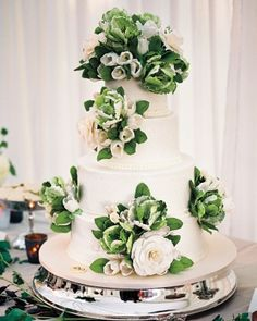 Green and white sugar flowers adorned this amazing Sylvia Weinstock cake