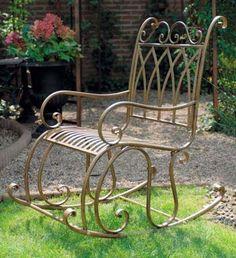 Es mag sicherlich bequemere Stühle geben, schon möglich, aber dieser hier ist verdammt schick!