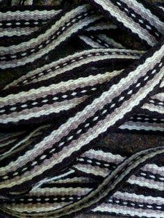 Inkle loom band