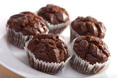 Вкуснейшие шоколадные кексы украсят любое чаепитие.