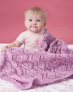 Avec tuto Free knitting pattern for cable and lace baby blanket in sport yarn diamond lace pattern with complementary cable Baby Knitting Patterns, Baby Patterns, Free Knitting, Blanket Patterns, Crochet Patterns, Knitted Afghans, Knitted Baby Blankets, Blanket Yarn, Sport Weight Yarn