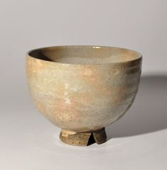 Fine Japanese Hagi gohon tea bowl chawan with woodbox Edo period 18th century