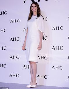 Anne Hathaway's beauty is universally appreciated. On Tuesday, she flaunted her looks in Seoul by attending a photo call as the face of South Korea-based beauty line, AHC Cosmetics.