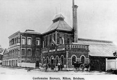 Castlemaine Brewery, Brisbane, ca. 1901 - Exterior view from the street of the brick edifice of the Castlemaine Brewery. The facade with brick, arched windows is featured. A group of people pose on the corner with some horse-drawn buggies. Sunshine State, Sunshine Coast, Aussie Australia, Brisbane Gold Coast, Brisbane Queensland, Queenslander, Local History, Old Photos, Vintage Photos