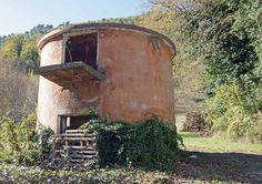 Field shelter at Urbani Tartufi, Sant'Anatolia di Narco