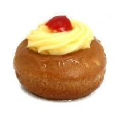 Real recipe of rum baba, recipe Lorraine My Recipes, Sweet Recipes, Cake Recipes, Dessert Recipes, Easy Desserts, Delicious Desserts, Yummy Food, Baba Recipe, Lorraine Recipes